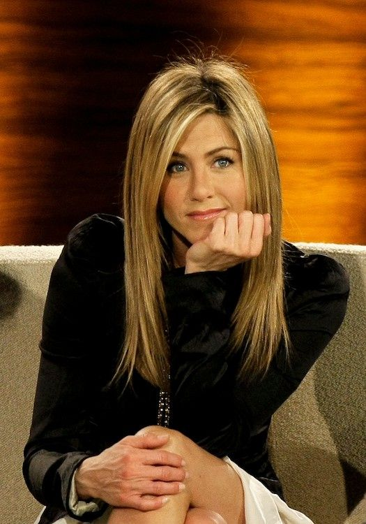 how to style hair like aniston aniston s hair through the ages 2297