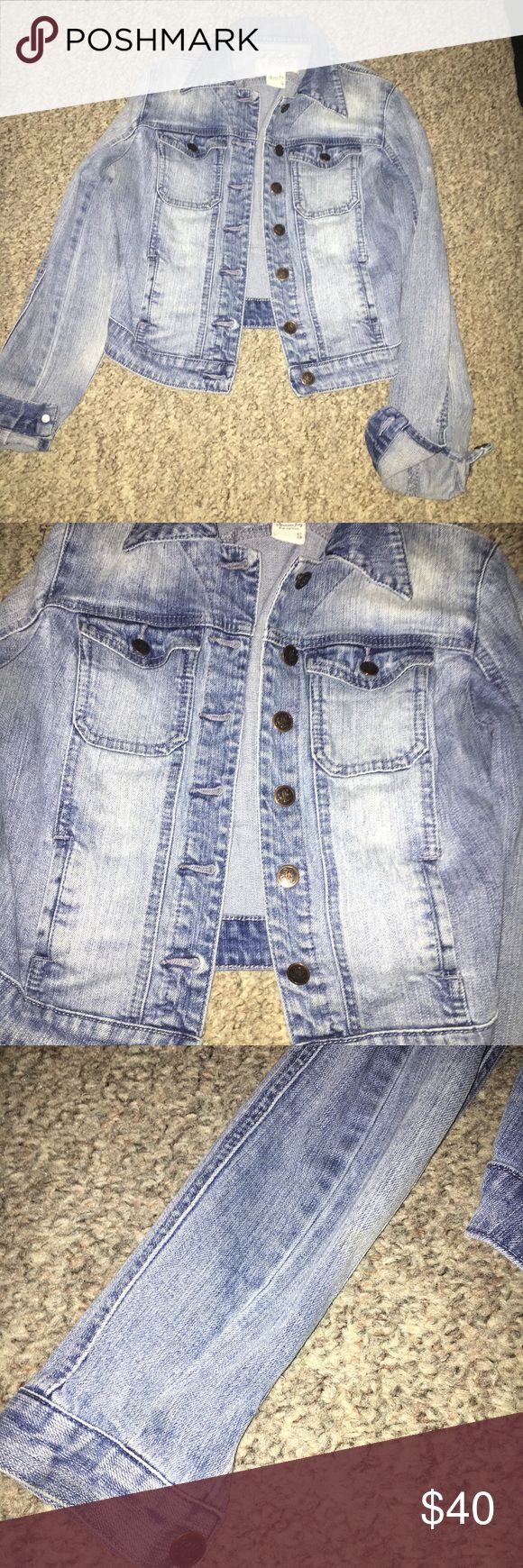 American rag denim jacket Great condition American rag denim jacket size small wonderful for the fall American Rag Jackets & Coats