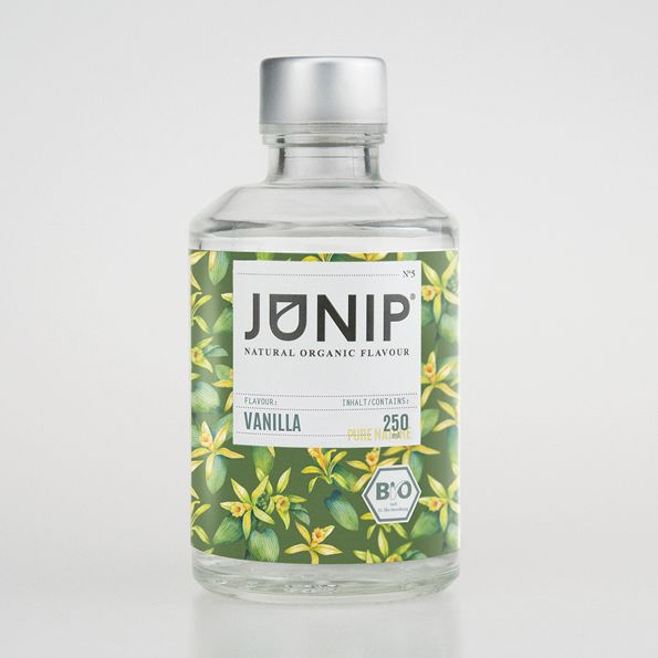 JUNIP Vanilla - The perfect all-around infuser for your drinks or baking. We give you this aromatic fresh taste without the usage of additives or added sugar. It all comes through the full intensity of the vanilla itself.