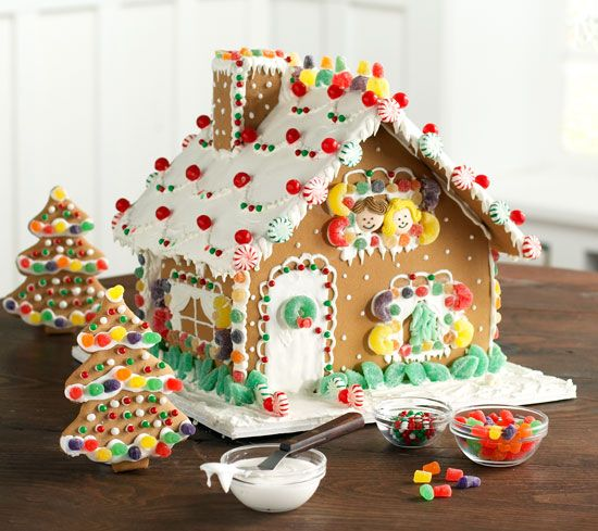 Gingerbread house decorating ideas. Posted by The Art and Soul of Baking.