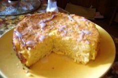 Budinca de taitei cu branza de vaca Ai nevoie de : -250g taitei lati( pot fi si melcisori sau alte paste scurte) -500g branza proaspata de vaca -3 oua -4