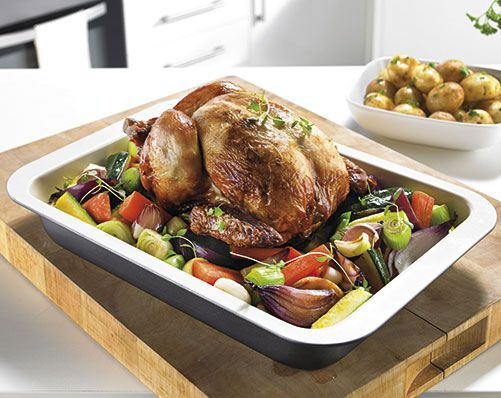 Ceramic Coated Roaster £13  Carbon steel roaster with non-stick ceramic coating. Lightweight and easy to handle. Black body with white ceramic interior coating. Size H5cm x W37 x D25  KLife Kleeneze
