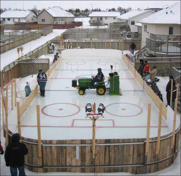 Canadian Humor: Canadian Backyard I thinks this is in Edmonton.