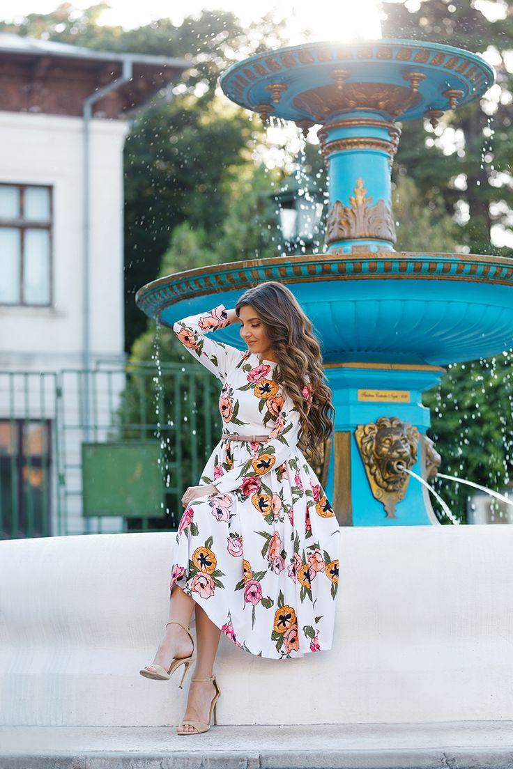 Larisa Costea - The Mysterious Girl Blog - featuring Dainty Jewell's Modest Apparel's Pocketful of Poppies Dress