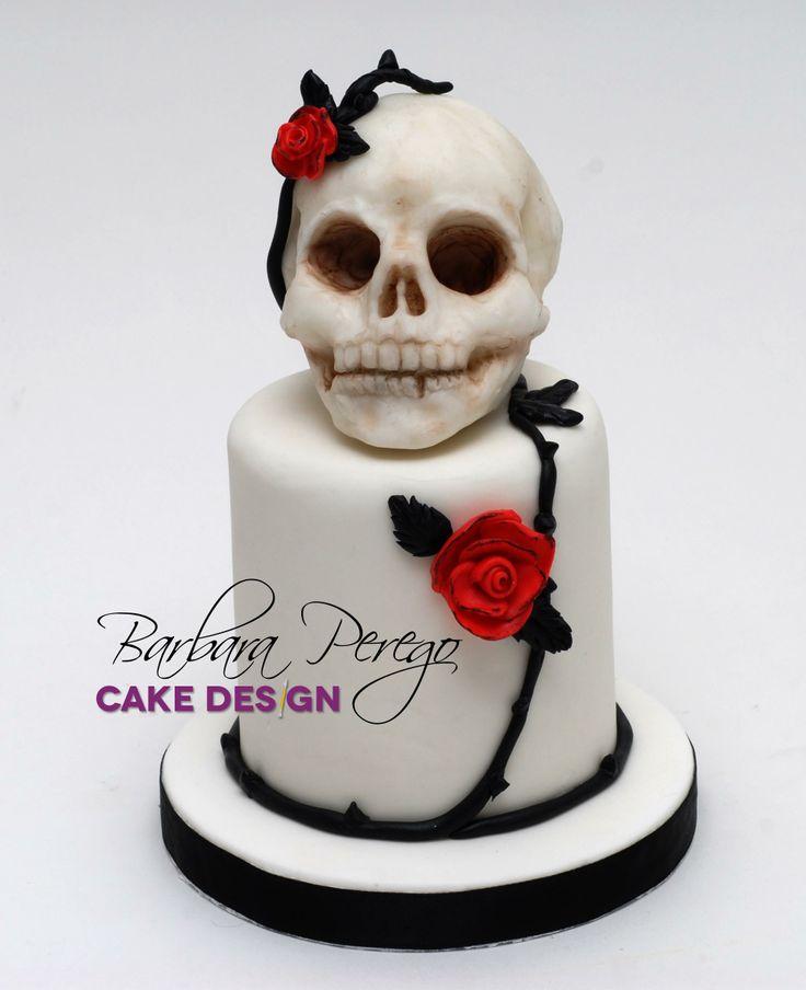 Gothic Una torta nata dall'idea di trasformare un tatuaggio in un progetto 3d. Vi piace? Turning a tatoo in a 3d cake. Like it?