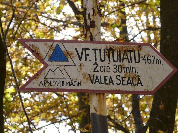 Indicator la intrarea in Valea Seaca