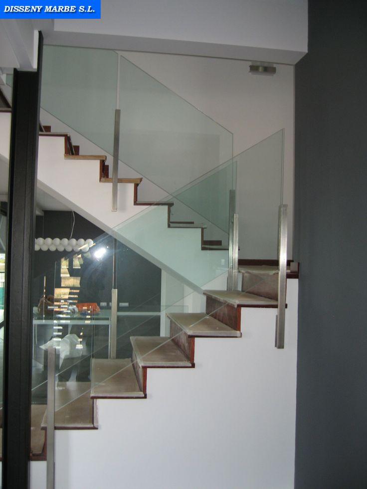 Barandilla escalera de cristal con ejes de acero inoxidable