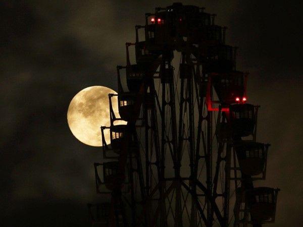 La superluna por el mundo (© REUTERS/Toru Hanai)
