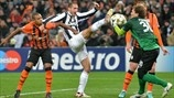 Giorgio Chiellini (Juventus) & Andriy Pyatov (FC Shakhtar Donetsk) | Shakhtar 0-1 Juventus. [05.12.12]