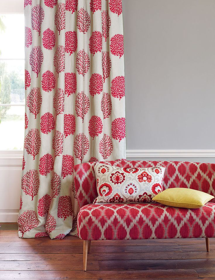 Jane Churchill's Cora (drapes), Fontane (sofa), Orissa (left pillow), Adler (right pillow) #interiors #janechurchill #textiles