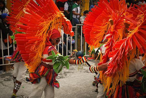SAN JUAN DE PASTO, NARIÑO, COLOMBIA. Carnaval de Blancos y Negros. Foto por Jose Alejandro Ojeda. Tomada el 6 de enero, 2012. ( IPITIMES.COM ® en PINTEREST).