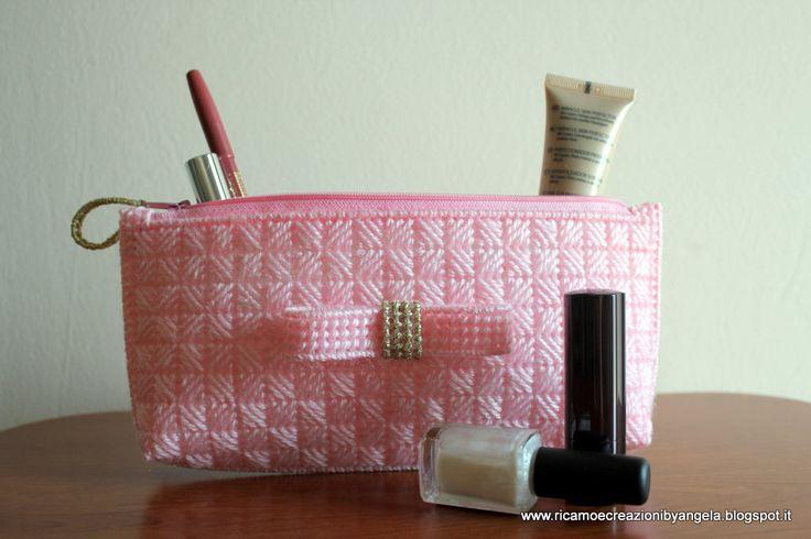Pochette rosa e oro con fiocco fatta a mano, by Ricamo e creazioni by Angela, 12,00 € su misshobby.com