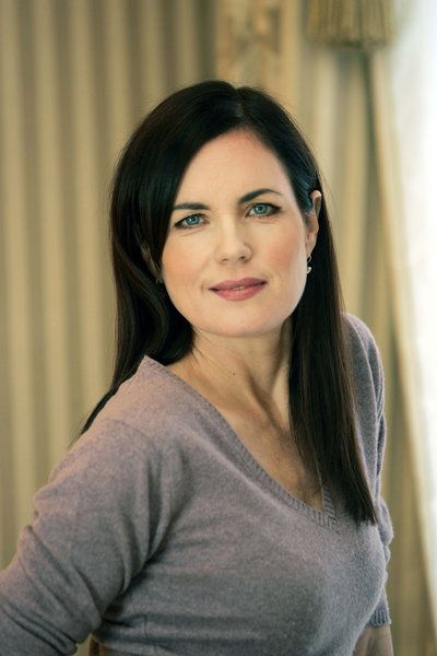 elizabeth mcGovern...you rock as Lady Crawley. but, you also rocked as a murderer/novelist. yup.