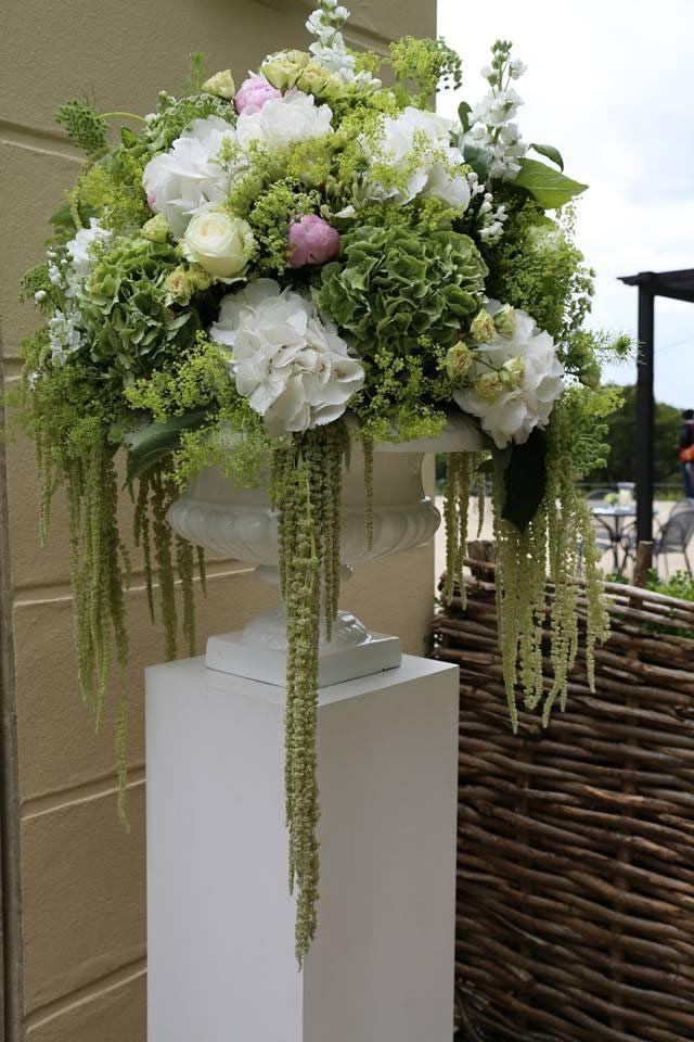 16 Marvelous Indoor Artificial Plants Interiors Ideas Flower Arrangements Artificial Flowers Altar Flowers