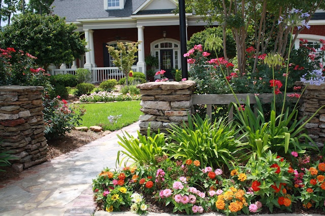 11 best Front porch landscaping images on Pinterest ...