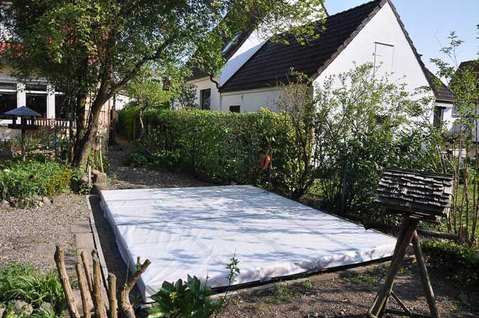 Gartenhaus Im Clockhaus Stil Mit Schlafboden Und Bullauge Gartenhaus Schlafboden Baustil