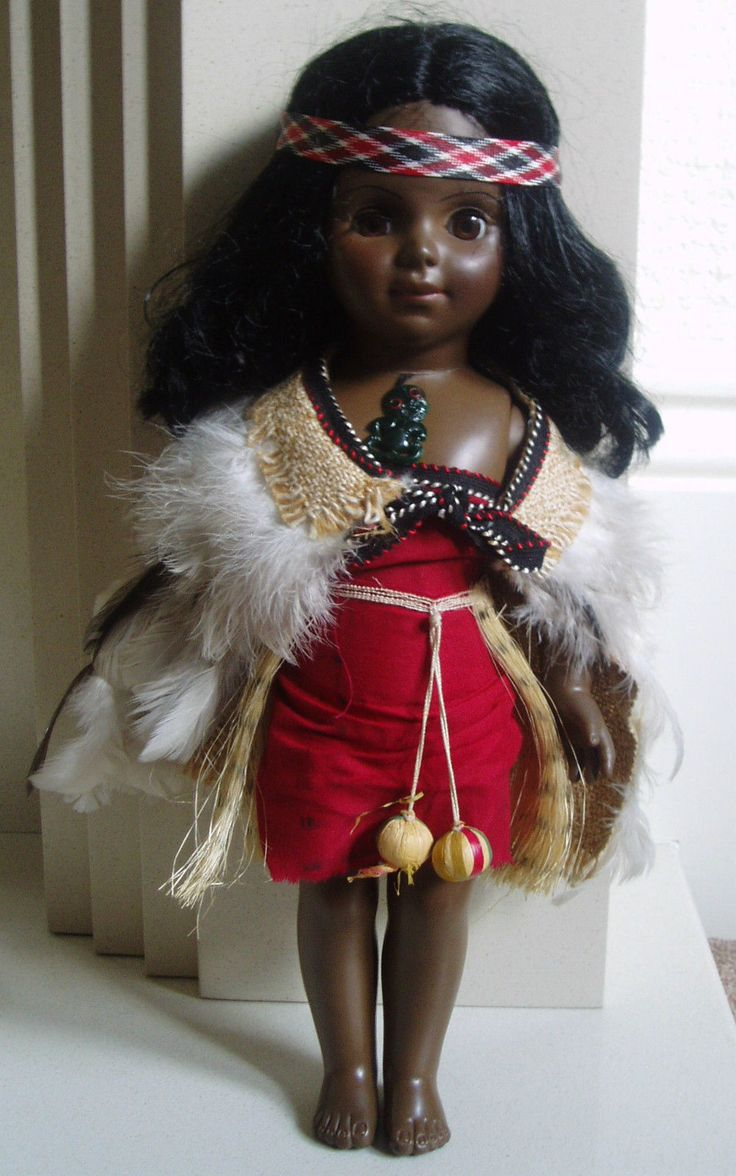 Large Sleepy Eye Maori / New Zealand Souvenir Traditional Costume/World Doll 2.75+3.3