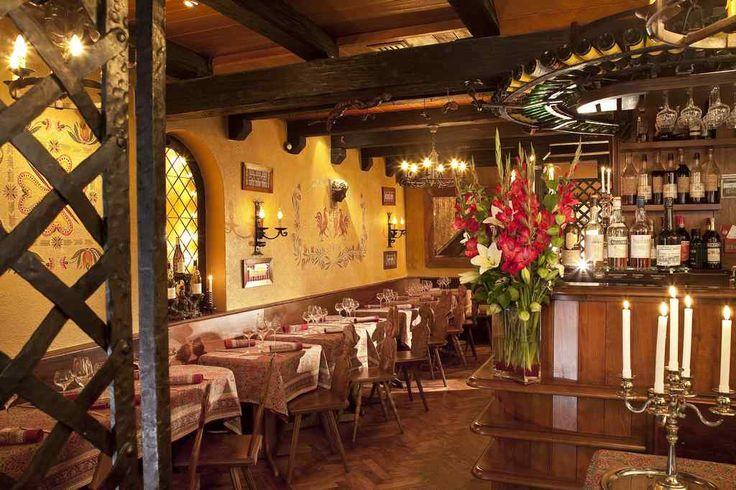 Site officiel du tourisme à Strasbourg. Préparez votre séjour à Strasbourg et en Alsace, trouvez un restaurant, une activité, une visite guidée et planifiez vos vacances en Alsace.