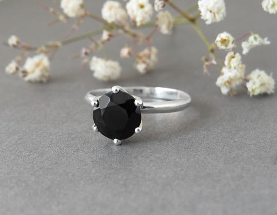 Solitaire Ring Black Spinel Ring Black Ring Engagement Etsy In 2020 Black Engagement Ring Black Spinel Ring Black Stone Ring