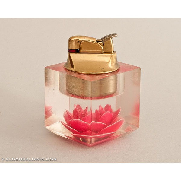 Working 1950s Evans Clearfloat Acrylic Floral Table Lighter
