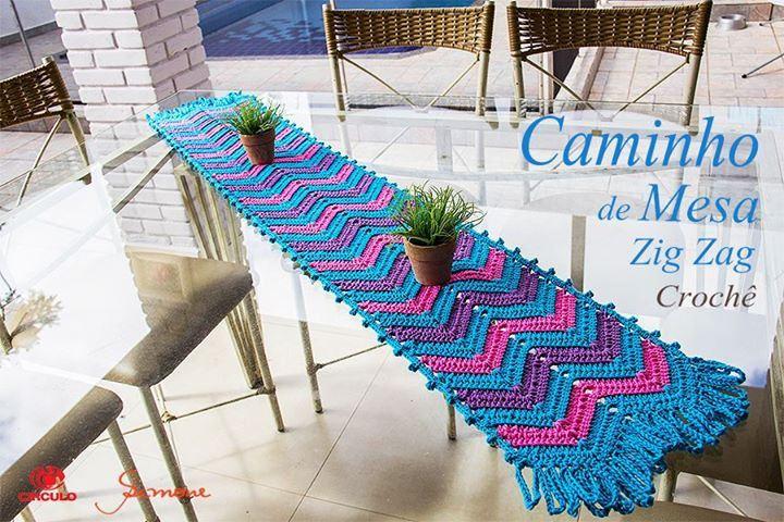 Oi Pessoal! Aula de Hoje vamos fazer um lindo Caminho / Trilho de mesa em crochê ?  https://youtu.be/ItqPMZJEXfQ #crochet #professorasimone #semprecirculo