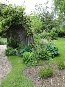 en Picardie  par le jardin du peintre André Van Beek.+