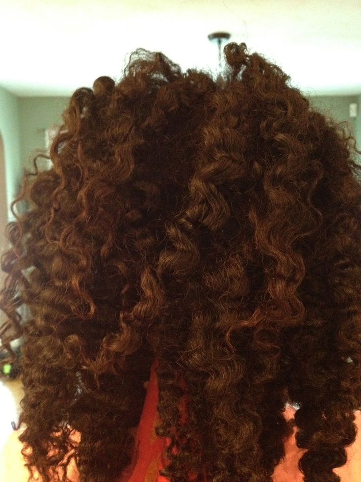 Braid-out on freshly hennaed hair. Henna makes my tightly-coiled hair stronger.