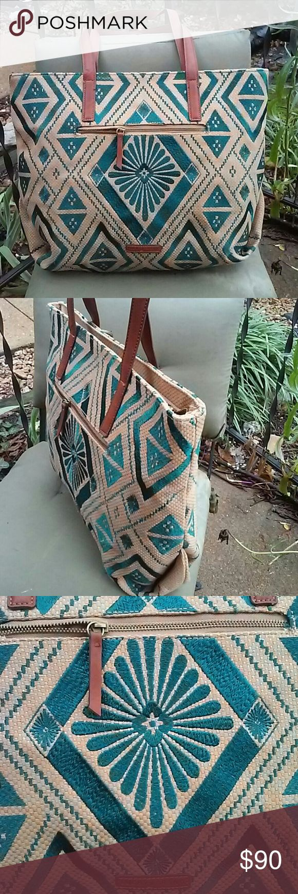 Lucky brand linen woven tote nwot New,zip closure Lucky Brand Bags Totes