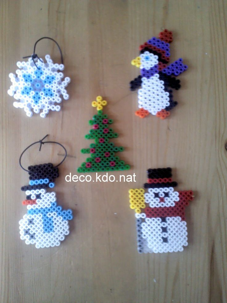 DECO.KDO.NAT: perles hama: deco noel pingouins, bonhomme de neige...