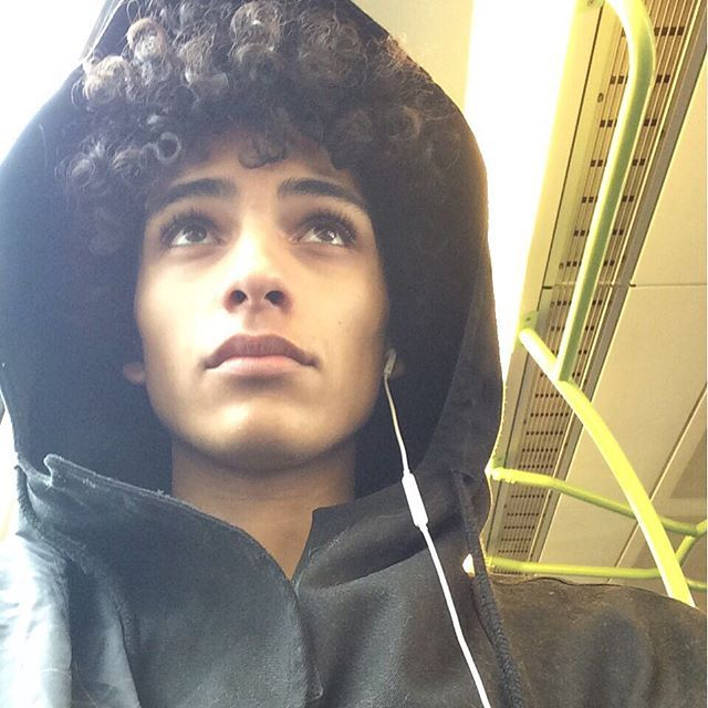 When the lighting on the train brings out your lightskin features...