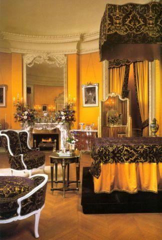 16 best biltmore estate mrs vanderbilt 39 s lovely room - Bedroom furniture made in north carolina ...