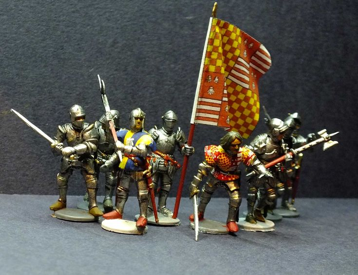 Sir Ranulph Dacre of Gilisland Fought for Henry VI at the battles of Wakefield, 2nd St Albans, and Towton where he was killed. 28mm hard plastic multi pose figures. Painted by Bob Hornsby