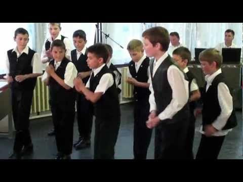 Andocsi Csillag Születik 2-3-4 osztály Néptánc - YouTube