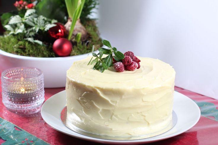 Saffranstårta med hallon&vitchoklad - CakeByMary.blogg.se