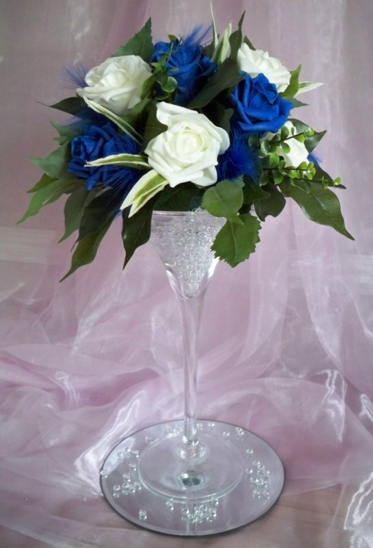 The 25 best ideas about martini glass centerpiece on for Decoration vase martini