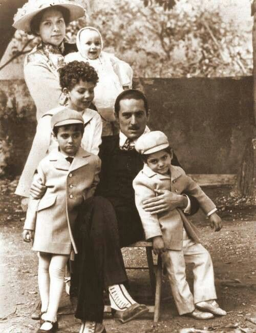 The Godfather 2 - Vito Corleone and his family