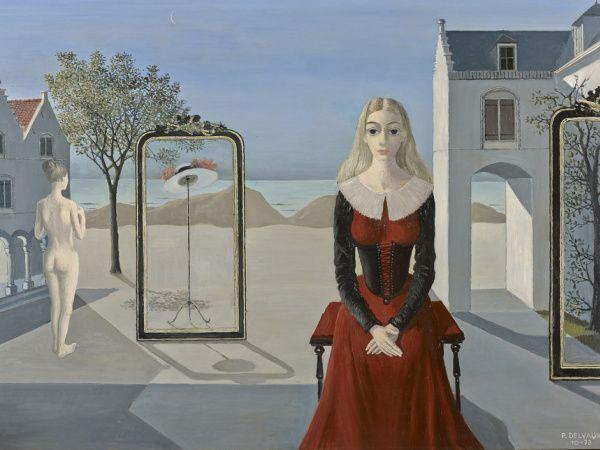 """Отдыхающая девушка с картины Поля #Дельво - и Энн #Хэтэуэй в роли Белой Королевы из """"Алисы в Стране чудес"""" Тима Бертона - удивительно похожи.  Кстати, девушку с картины до 13 июня можно застать на выставке Дельво в Мадриде."""