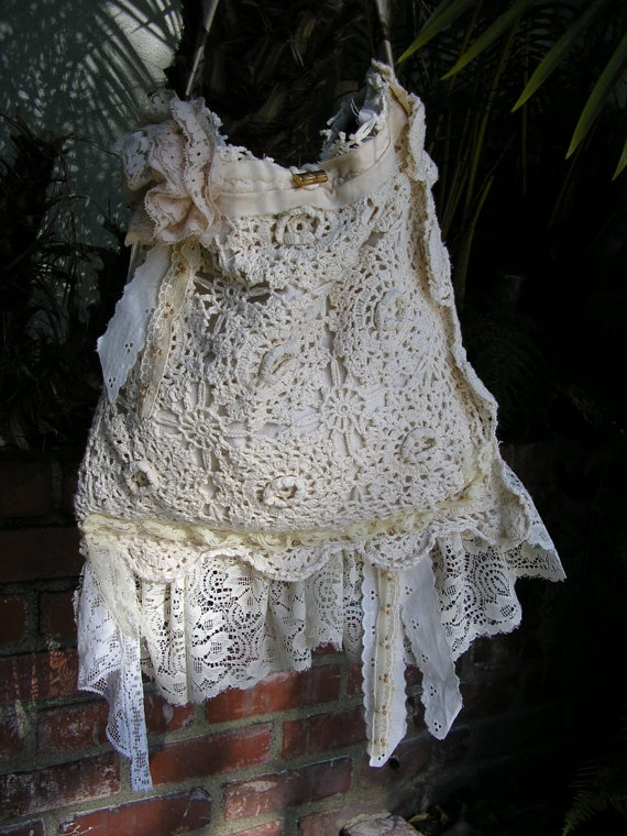 I think this would look better with a burlap purse. still <3!!