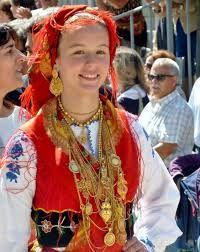 Resultado de imagem para trajes tradicionais portugueses