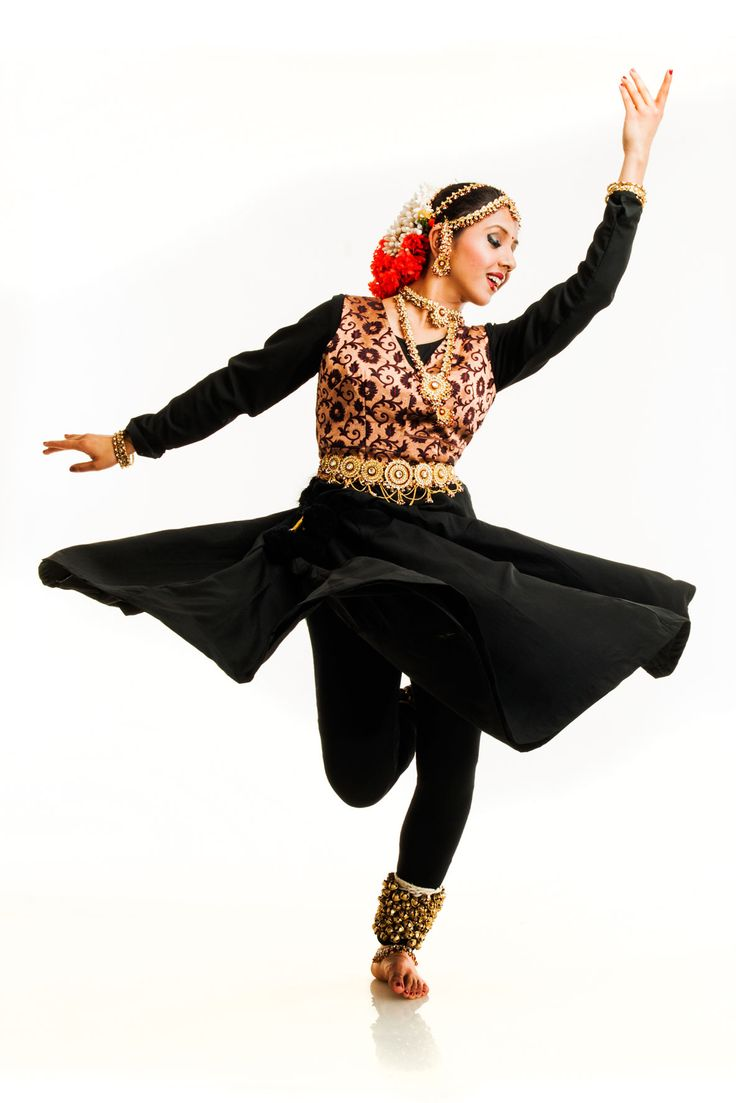 kathak dance What is kathak dance native to northern india, kathak is one of the six classical indian dance forms an ancient storytelling device, kathak originated within the hindu temples as a means of portraying the epic tales contained within the mahabharata and ramayana, hindu scriptures.