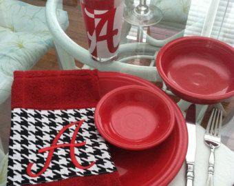Get into the spirit of the Alabama College Football Season, Decorate with this lovely hand towel.