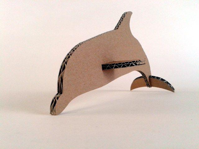 Zabawki z kartonu - pływające. Pomaluj je sam i baw się z dzieckiem. Dzisiaj delfin./ Cardboard swimming toys. Paint them whit your children and have fun. Today dolphin. #playtime #toys #zkartonu #cardboard http://zkartonu.com/2016/08/16/kartonowe-plywajace-zwierzaki-delfin-cardboard-swimming-toys-dolphin/