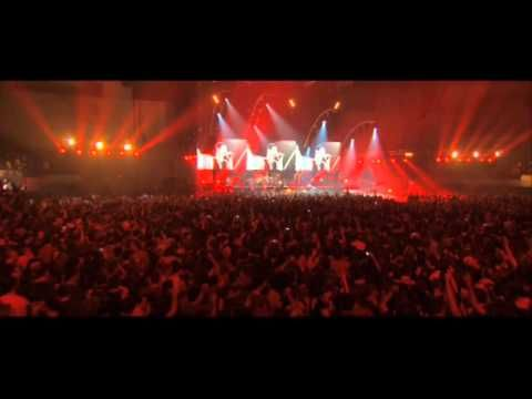 DEPECHE MODE Never Let Me Down Again live in Barcelona - YouTube