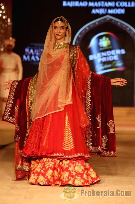 Deepika Padukone walked the ramp for Designer Anju Modi at Blenders Pride Fashion Tour ...