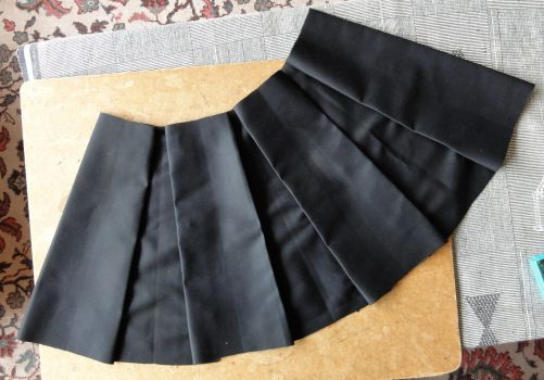How to make a flared box-pleated skirt