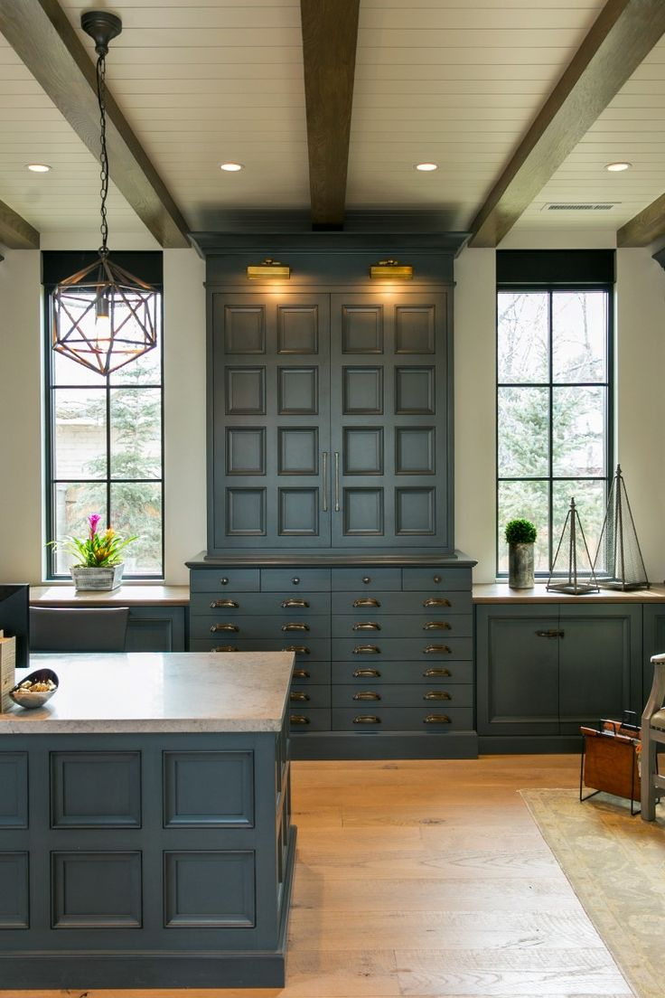 Best 25 craftsman style kitchens ideas on pinterest for Craftsman style office