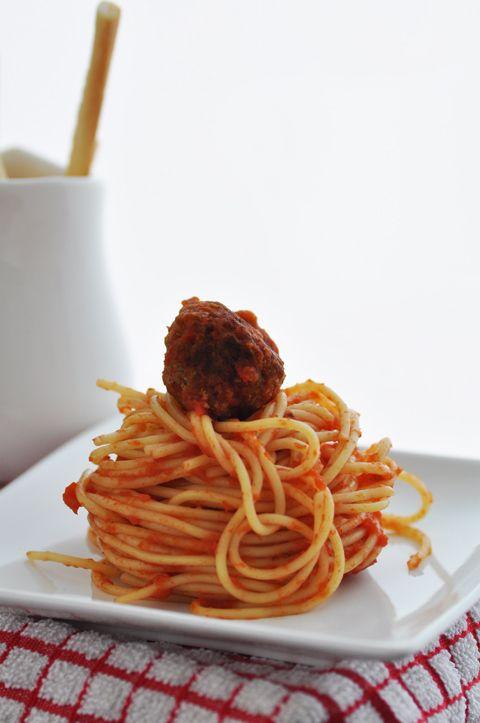Ricetta: Spaghetti alla salsa con polpettine