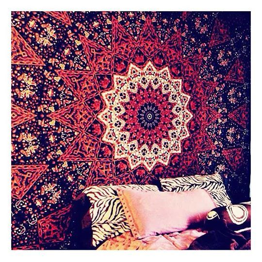 Dorm Room Tapestries And Its Benefits : Hang Tapestry In Dorm Room. Hang  Tapestry In Dorm Room. Part 50