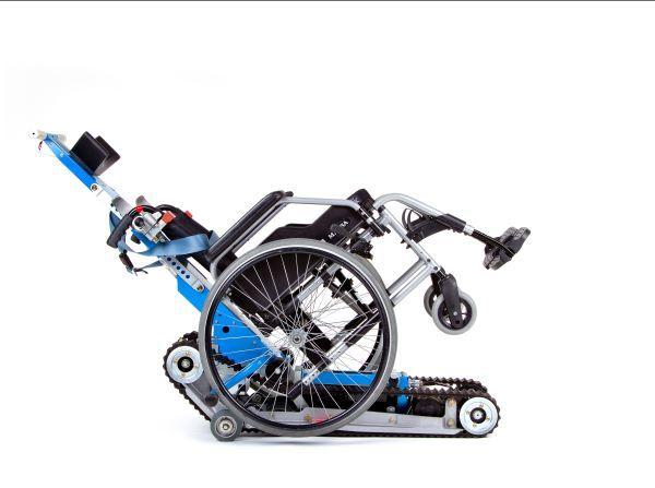 montascale con cingoli per disabili
