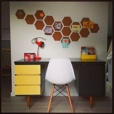 """Nuniya: cut cork tiles into hexagons for more """"artistic"""" bulletin board!"""
